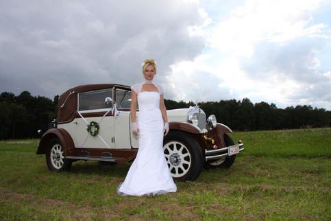 105-1_14 - Hochzeitskleider